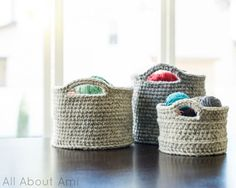 My family of baskets: small, medium and large! - How to crochet baskets