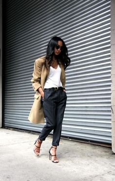 20 Fashion Essentials All Well-Dressed Women Own - Society19