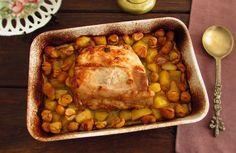 Aqueles almoços típicos em família exigem uma refeição calorosa e muito saborosa que junta todos à mesa, este lombo de porco no forno com castanhas é a...