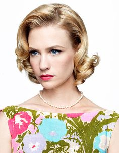 January Jones as Betty Draper From Mad Men. Perfect & Beautiful example of (early makeup! Photo by Art Streiber. Don Draper, Betty Draper, January Jones, Vintage Hairstyles, Wedding Hairstyles, Hairstyles Men, Mad Men Hair, Divas, Blond