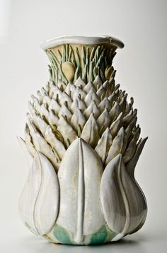Kate Malone presents a series of full-day ceramic workshops to the public as part of her role in the Corobrik National Ceramics Biennale. Ceramic Design, Ceramic Decor, Ceramic Pottery, Pottery Art, Ceramic Planters, Famous Ceramic Artists, Natural Forms Gcse, Cerámica Ideas, Organic Ceramics