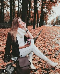 Looking for fall – girl photoshoot poses Autumn Photography, Amazing Photography, Photography Poses, Wild Girl, Fall Photos, Insta Photo, Girl Poses, Autumn Winter Fashion, Winter Outfits