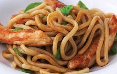 How to make Chicken with noodles and basil recipe - Poulet aux nouilles et au basilic recette Special equipment A Food, Good Food, Basil Recipes, Indian Food Recipes, Ethnic Recipes, International Recipes, Popular Recipes, Healthy Eating, Cooking Recipes