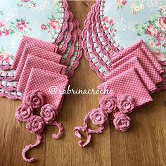 Crochet Quilt, Crochet Home, Crochet Doilies, Crochet Flowers, Kitchen Placemats, Stitch Patterns, Crochet Patterns, Craft Markets, Crochet Kitchen