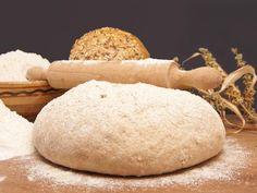Domowy chleb - prosty przepis. Jak samodzielnie upiec chleb? - Beszamel.se.pl Bread, Food, Meal, Essen, Hoods, Breads, Meals, Sandwich Loaf, Eten