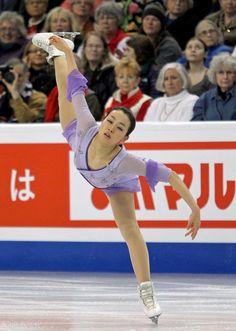 女子フリーで演技する浅田真央 (800×1123) http://www.nikkansports.com/sports/figure/asada-mao/photo/article/1626197.html