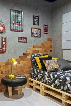 Planning to decorate your teenage boy's room? If you need some easy DIY teen room decor ideas for boys, then I have plenty. Modern Rustic Homes, Diy Casa, Trendy Bedroom, Kid Beds, Diy Home Decor, Bedroom Decor, Bedroom Bed, House Design, Interior Design