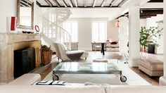 The Chicest Homes To Rent On Your Next Vacation via @domainehome LOVE the beams!