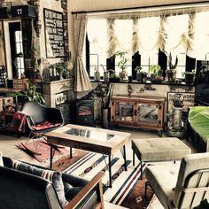 yupinokoさんの、部屋全体,DIY,カフェ風,インダストリアル,男前,自作ポスター,ブルックリンスタイル,いつもありがとうございます❤️,海外インテリアに憧れて♡,男前×クラシック,eamesリプロダクト,coryre sofa,祝♡フォロワーさま4000人,のお部屋写真