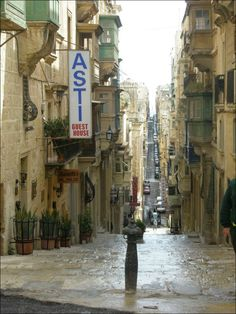 Strolling the streets of Valetta.