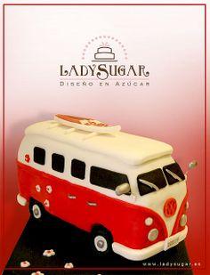 Tarta Volkswagen Camper - Volkswagen Camper Van Cake by LadySugar Diseño en Azúcar, via Flickr