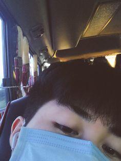 Korean Boys Ulzzang, Cute Korean Boys, Ulzzang Boy, Asian Boys, Boy Photography Poses, Girl Photo Poses, Boy Pictures, Boy Photos, Cool Boy Image