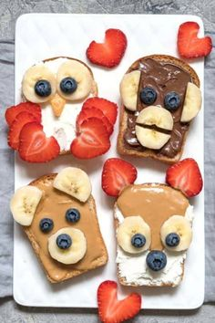 Animal Face Toast. Prep Ahead Easy Breakfast Recipes for the Kids. Back to Recipes for a Healthy Breakfast. #toast  #breakfastrecipes #recipes #breakfast #backtoschool #kidsrecipes #recipesforkids #healthyrecipes #peanutbutter #peanutbuttertoast #toastrecipes