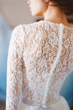 This lace detailing would look flawless on a winter bride