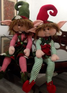 Mis duendes Christmas Sewing, Vintage Christmas, Christmas Time, Christmas Crafts, Christmas Decorations, Elf Doll, Elves And Fairies, Doll Maker, Fairy Dolls