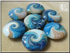 Swirls | Flickr - Photo Sharing! Rock Painting Ideas Easy, Rock Painting Designs, Chez Laurette, Porcelain Clay, China Porcelain, Clay Baby, Clay Figurine, Fimo Clay, Tile Art