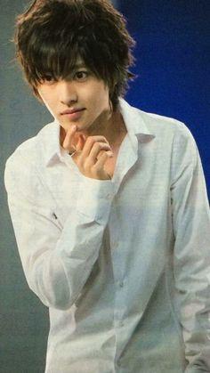 Kento Yamazaki as L, Death Note (2015 Drama)