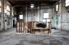 Berengo Studio, Murano, 2014. Photo: @ Andrea Simi  For more visit: www.andreasimi.com