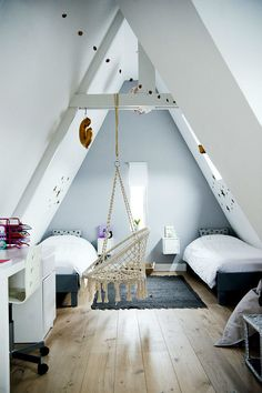 Cozy Attic Bedroom Ideas with Stylish Decor You'll Love White Wall Bedroom, Cozy Bedroom, Kids Bedroom, Bedroom Decor, Bedroom Ideas, Pastel Home Decor, Pastel House, Neutral Bedrooms, Attic Spaces