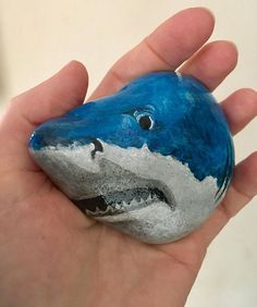 Stone Of the Day - Most unusual treasures of the earth by Dawn Carroll Rock Painting Patterns, Rock Painting Ideas Easy, Rock Painting Designs, Painted Rocks Craft, Hand Painted Rocks, Shark Painting, Pet Rocks, Rock Crafts, Pet Gifts