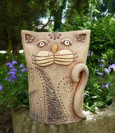 Hand Built Pottery, Slab Pottery, Ceramic Pottery, Paper Mache Sculpture, Pottery Sculpture, Sculpture Art, Pottery Animals, Ceramic Animals, Clay Cats