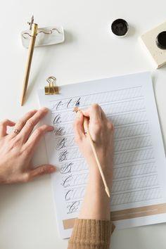Calligraphy Pens For Beginners, Brush Pen Calligraphy, How To Write Calligraphy, Modern Calligraphy, Calligraphy Worksheets Free, Calligraphy Practice Sheets Free, Penmanship, Caligraphy, Drills