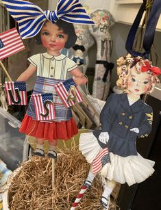 Fabric Paper, Paper Art, Paper Crafts, Victorian Paper Dolls, Fabulous Four, Chenille Crafts, Decoupage Printables, Pipe Cleaner Crafts, 4th Of July Decorations