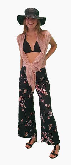 Scoor de complete outfit Sweet Summer inclusief 10% korting voor maar € 93,95 compleet met broek, vest, sandalen en hoed. GRATIS VERZENDING!!