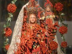 Donne, Madonne, Sante e Regine vestite da Marella Ferrera | Gira Sicilia eventi turismo itinerari