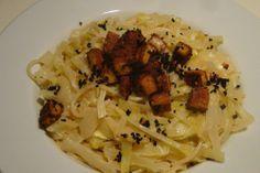 Gourmandises végétariennes: Spaghetti mit Weißkohl und Räuchertofu