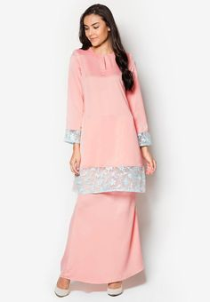 "Mawar Baju Kurung Pink | <p>Size : Free</p>  <p>Material : Satin + Lace (Top), Satin (Skirt)</p>  <p>Top : Shoulder 38cm, Sleeves 53cm, Length 82cm, Bust 94cm ~ 110cm, Waist 90cm ~ 102cm</p>  <p>Skirt : Length 100cm, Waist 70cm ~ 74cm, Hip 84cm ~ 96cm</p>  <p>Other : With Back Zip (Skirt)</p>  <p> </p>  <p><img alt=""WH1116 Fashion Baju Kurung Pink (1 Set)"" src=""http://www.whizet.com/images/upload/image/201507/1116pink.jpg"" /></p>  <p> </p> 