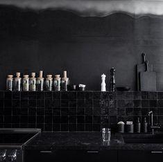 A Noirish Studio for a San Francisco Design Star (Remodelista: Sourcebook for the Considered Home) Black Backsplash, Beadboard Backsplash, Herringbone Backsplash, Mosaic Backsplash, Backsplash Cheap, Granite Backsplash, Countertops, Kitchen Interior, Interior And Exterior