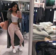 How to Wear: The Best Casual Outfit Ideas - Fashion Chill Outfits, Mode Outfits, Trendy Outfits, Summer Outfits, Outfits With Sweatpants, Sporty Chic Outfits, Ghetto Outfits, Winter Outfits, Sweats Outfit