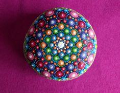 Mandala di pietra mano dipinta
