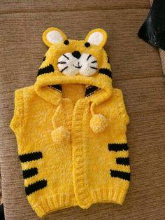 Free Baby Sweater Knitting Patterns, Animal Knitting Patterns, Knitted Baby Cardigan, Knitting Designs, Knit Patterns, Crochet Baby Mobiles, Baby Winter, Winter Hats, Sleeping Kitten