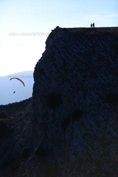 Randonnée pédestre en pleine nature ou parapente en montagne, tout est possible dans les Alpes-Maritimes !
