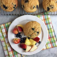 These Healthy Blueberry-Cornmeal Muffins are low-fat light moist & tasty. Low Fat Blueberry Muffins, Healthy Muffins, Blue Berry Muffins, Brunch Recipes, Bread Recipes, Dessert Recipes, Desserts, Wild Blueberries, Good Food