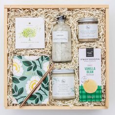 Birthday Box, Birthday Gifts For Her, Kosmetik Shop, Curated Gift Boxes, Employee Gifts, Client Gifts, Spa Gifts, Corporate Gifts, Customized Gifts