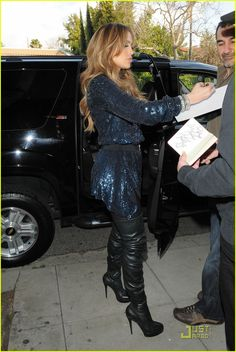 4787abfb75e Jennifer Lopez walks to her car after having lunch at Osteria Mozza on  Wednesday (February