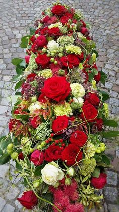 Red – Green Cream Red – Green Cream This image has get 3 … – Flowers Funeral Flower Arrangements, Flower Arrangements Simple, Funeral Flowers, Floral Centerpieces, Exotic Flowers, Beautiful Flowers, Funeral Caskets, Casket Flowers, Casket Sprays