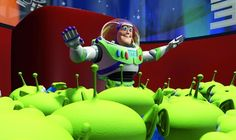 Toy Story: Buzz Lightyear and Woody fall with style. This year, Pixar celebrated its 25 year birthday. Disney Pixar, Disney Cartoons, Disney Animation, Pixar Characters, Pixar Movies, Disney Movies, Disney Songs, Imdb Movies, Toy Story 1995