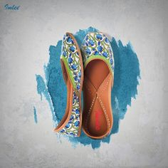 Blockprinted Floral Blue & White Leather Mojari with Thread Hand Embroidery.