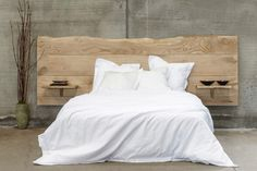 testiera letto in legno Headboard, Home Bedroom, Bedroom Decor, Bedroom, Interior Design, Home Decor, Country Bedroom, Hotels Room, Headboards For Beds