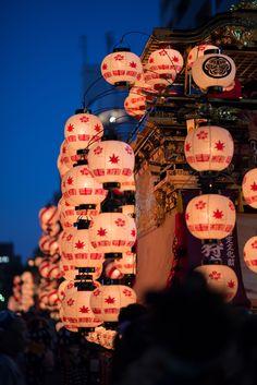 Lanterns in Nagoya Matsuri, Japan 紅葉狩車