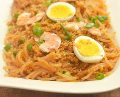 How to Make Pancit luglug with ground pork. Easy to make with simple toppings!