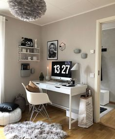 Discover recipes, home ideas, style inspiration and other ideas to try. Home Office Setup, Home Office Space, Home Office Design, Study Room Decor, Room Ideas Bedroom, Bedroom Decor, Budget Home Decorating, Home Improvement Loans, New Room