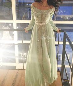 """734 mentions J'aime, 11 commentaires - MOROCCAN DRESSES! (@moroccandress) sur Instagram : """"Love #Moroccandress #Goodnight"""""""