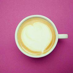 Heute mal wieder ein Cappuccino. Wie Lecker!  #kaffee #cappuccino #herz #kaffeepause #frühstück