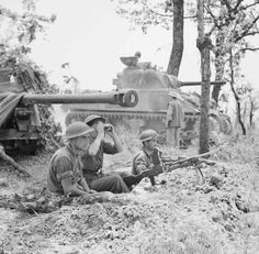 Polish troops dug in around Monte Cassino with a 17 pounder and Sherman tanks in support.
