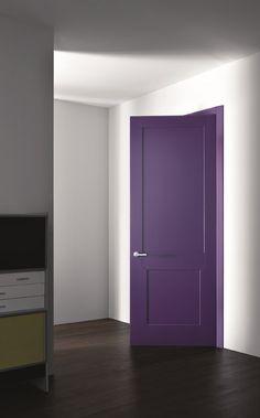 Ultra violet: the color of the year 2018 by pantone Black Interior Doors, Purple Interior, Pantone, Interior Design Magazine, Modern Interior Design, Door Design, House Design, Gris Violet, Closet Colors